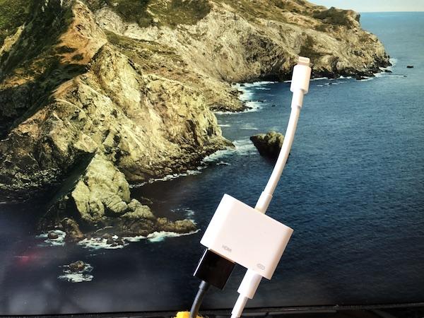 apple純正 Lightning-HDMI変換ケーブル